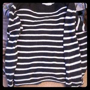 Women's sweater, size large